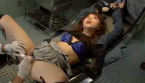 Attractive XXX Asian Fingered And Toyed By Doctor
